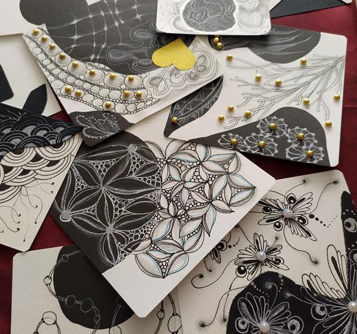 Esplorare il mondo dello Zentangle in bianco e nero.
